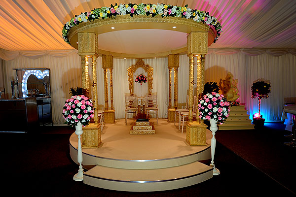 Hire Round Aria Mandap package