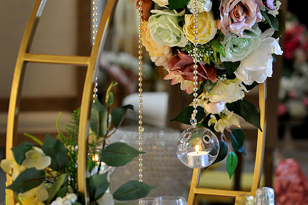 Create Glorious Decor With Luxury Wedding Floral Centrepieces