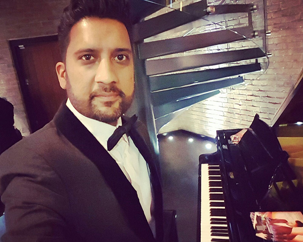 Asian Wedding Piano Player Hire The RAAJ