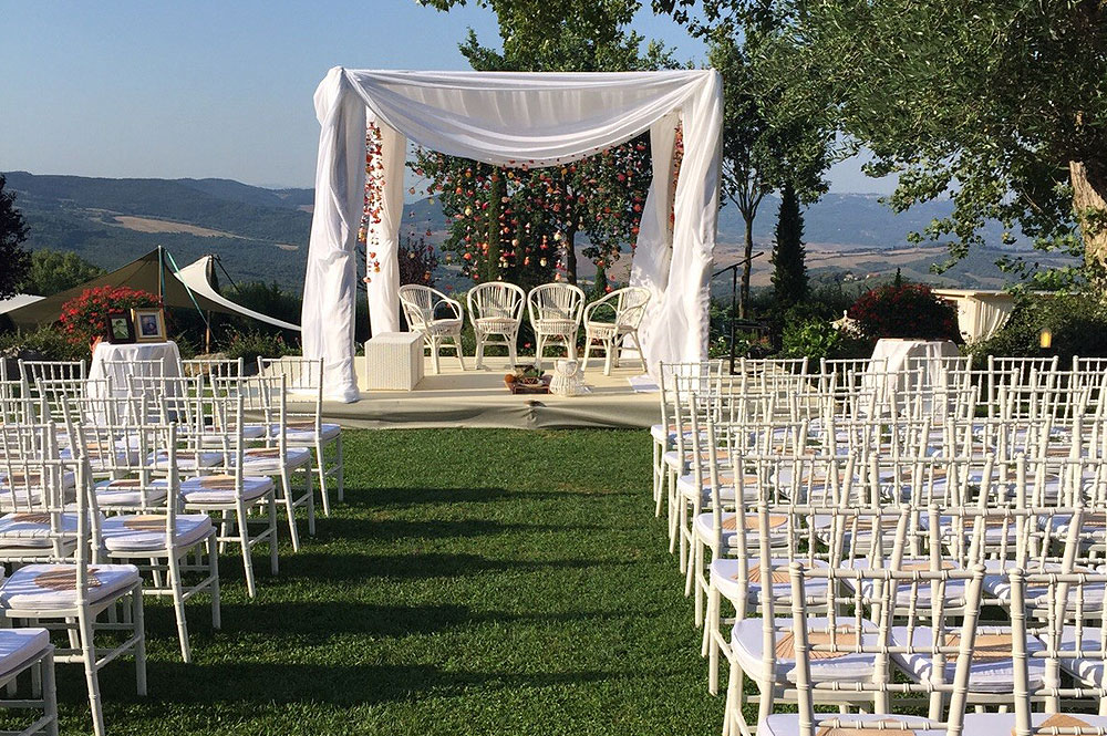 Chiavari Chair Hire For Asian Weddings From The RAAJ